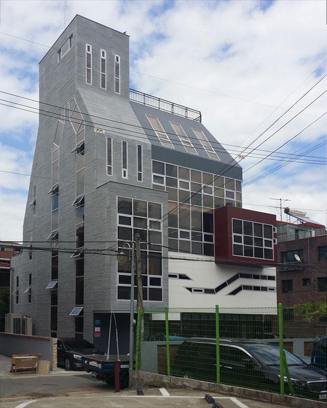 st_building05.jpg