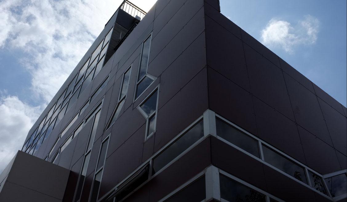 st_building06.jpg
